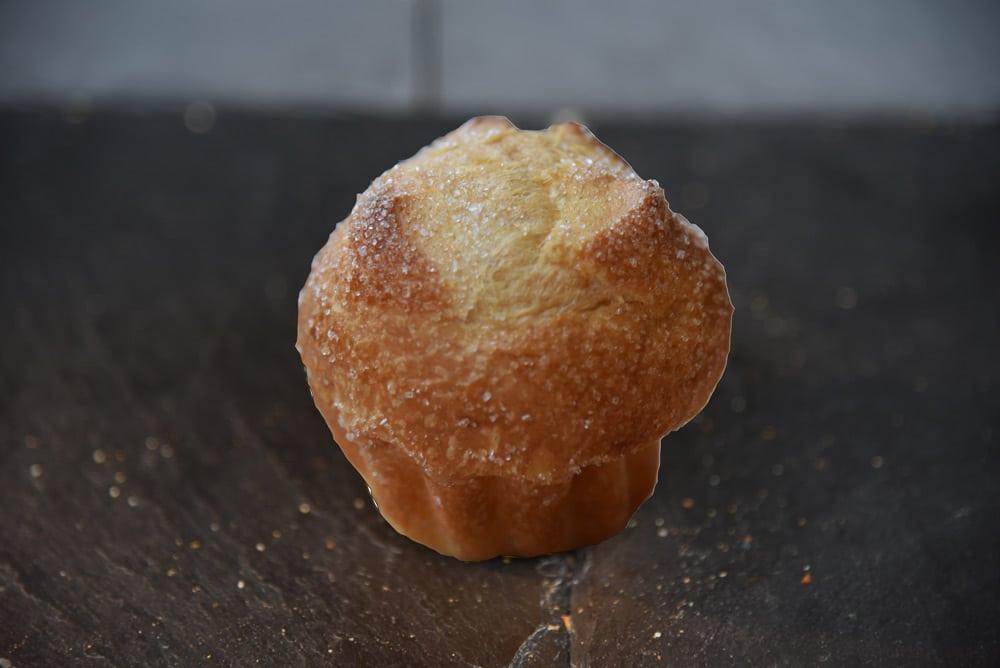 photo d'une petite brioche au sucre