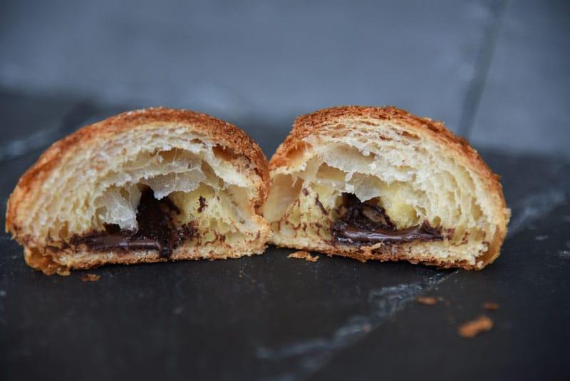 photo d'une couque au beurre chocolat tranchée