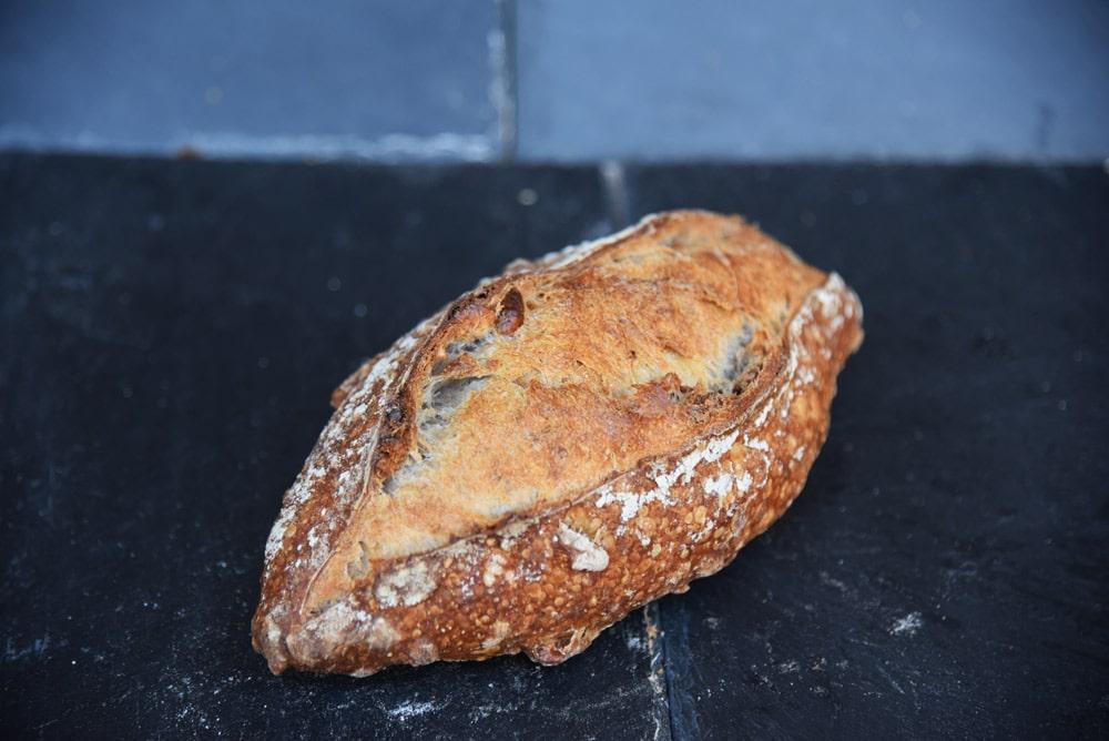 photo d'un pain au noix de la boulangerie antoine