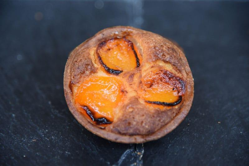 photo d'une tartelette amande abricot